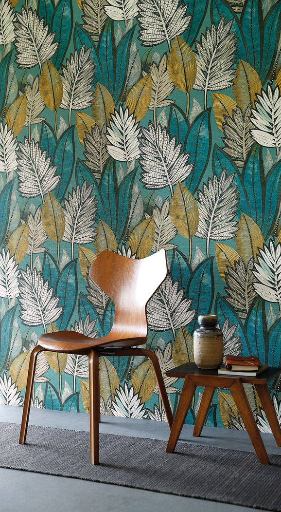 Photo of the fabric Sabal Wallpaper 7468 7468 02 64 in situ by Casamance. Use for Wall Covering. Style of Decorative, Floral And Botannical, Pattern, Texture